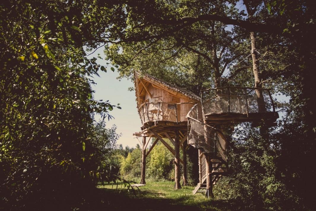 cabane dans les arbres près d'Angers